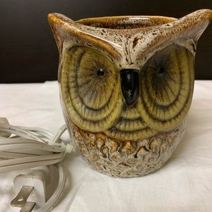 Vintage Owl Nightlight - feather like glaze.